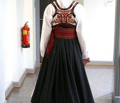Folk Costume, Costumes, Viking Images, Norway, Vikings, Anna, Two Piece Skirt Set, Textiles, Skirts
