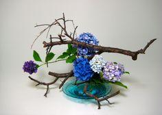 Free Style Material:Japanese Apricot,Hydrangea Noriko Hirose