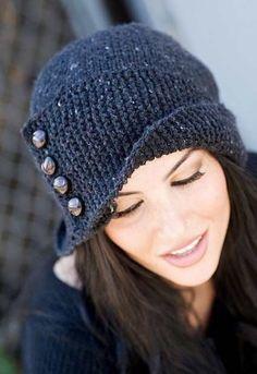 Вязание шапки спицами с пуговицами со схемой и подробным описанием. Вязание спицами зимних шапок на сайте Колибри.
