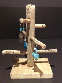 Arbre à bijoux en bois flotté par l'Atelier de Corinne : Accessoires pour bijoux par atelier-de-corinne