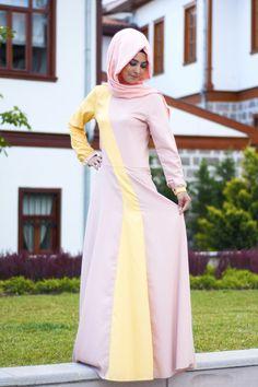 Pudra sarı renkli keten krep kumaşlı tesettür elbise Gamze Polat tasarımıdır. Özel tasarım ürünlerde değişim ve iade yapılmamaktadır.