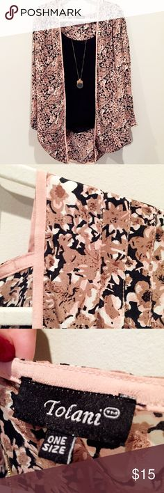 ONE SIZE boho kimono in gorgeous print Purchased from Nordstrom but listed as UO for brand style Urban Outfitters Tops