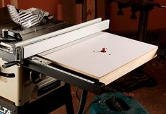 Table Saws Make a Router Table Extension Wing for Your Table Saw - How to make a router table extension for your table saw. Customize your table saw by replacing one wing with this convenient and floor-saving router table. Making A Router Table, Homemade Router Table, Diy Router Table, Router Table Plans, Homemade Tools, Delta Table Saw, Table Saw Extension, Table Saw Accessories, Router Accessories