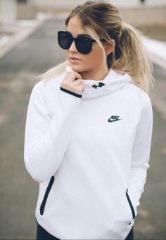 Wheretoget - White Nike hoodie and black sunglasses