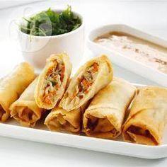 Kipfilet bosui wortel courgette tauge bamboe scheuten filodeeg  http://allrecipes.nl/recept/2347/chinese-loempia-s.aspx