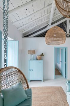 Country blue, A holiday home in Portugal by interior designer Ligia Casanova Greek Decor, Home Interior, Interior Design, Style Deco, Mediterranean Decor, Mediterranean Architecture, Parisian Apartment, Tuscan House, Cheap Home Decor