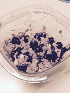 1/2 cup Oats, 1/2 cup Blueberries, Stevia, & Water =  245 Calories, 3.5 Fat, 45 Carbs, 9.5 Sugar, 7.5 Protein >>>>>>>>>>>>>>>>>>>>>>>>>>>  >>>>>>>>>>>>>>>>>>>>>>>>>>> 1/2 Cup Gluten Free Oats = 190 Calories, 3.5 Fat, 32 Carb, 1 Sugar, 7 Protein  ________________________________  1/2 Cup blueberries  = 54 Calories, 12.5 Carbs, 8.5 sugars, 0.5 protein Stevia, Protein, Blueberries, Acai Bowl, Oatmeal, Gluten Free, Fat, Nutrition, Sugar