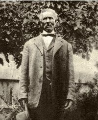 This is Bose Ikard - born a slave in Mississippi. He went to work for Oliver Loving and Charles Goodnight as a traildriver in Charles Goodnight, Black Cowboys, Real Cowboys, Texas Legends, Old Photos, Vintage Photos, Lonesome Dove, The Lone Ranger, African American History