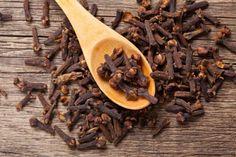 cravo da índia é um ingrediente natural para aliviar a dor de garganta
