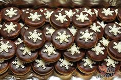 Brabantské dortíčky s marcipánem Christmas Sweets, Christmas Baking, Christmas Cookies, Torte Cake, Czech Recipes, Italian Cookies, Sweet And Salty, Ice Cream Recipes, Confectionery