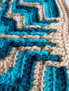 Star Portal Square is a free pattern worked in overlay crochet which is very textural. Triple Crochet Stitch, Double Crochet, Star Portal, Knitting Projects, Crochet Projects, Crochet Designs, Crochet Patterns, Snuggle Blanket, Bone Color