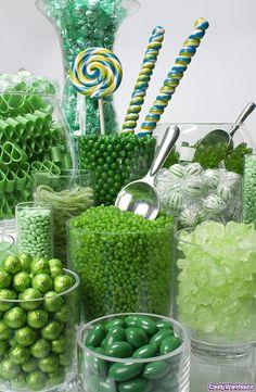 Bonbon Vert Buffet – Sweet World Ideas Bar A Bonbon, My Favorite Color, My Favorite Things, Green Candy, Purple Candy Buffet, Colorful Candy, Candy Table, Luck Of The Irish, Shades Of Green