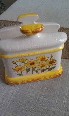 SALE  Shabby Chic Vintage Daisy Napkin Holder by VintageDelight374