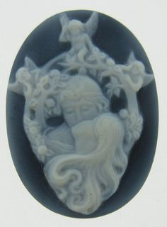 ART NOUVEAU HAND CARVED NATURAL BLACK & WHITE AGATE CAMEO  NATURAL AGATE GEMSTONE CARVING, GEMSTONE CARVING FROM GEMROCKAUCTIONS