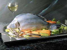 Karpfen blau mit Möhren-Gemüse ist ein Rezept mit frischen Zutaten aus der Kategorie Mahlzeit. Probieren Sie dieses und weitere Rezepte von EAT SMARTER!
