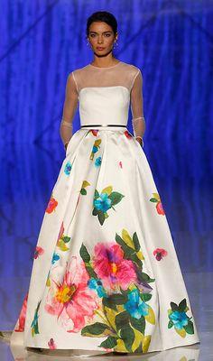 Vestido de novia con flores de Patricia Avendaño Lovely Dresses, Beautiful Gowns, Elegant Dresses, Evening Dresses, Prom Dresses, Formal Dresses, Floral Fashion, Fashion Dresses, Moda Floral