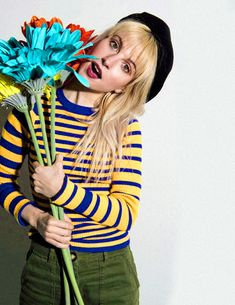 """louisquinnzel: """"""""About a year ago, I called my colorist and was like, """"I'm going through so much emotionally. I need a reset. I need you to bleach my hair."""" When it's time for Neon Hayley to come back. Hayley Paramore, Paramore Hayley Williams, Hayley Williams Style, Hey Violet, Claire Holt, Emo Bands, Grunge Hair, Queen, Singer"""