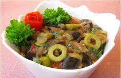 Gestoofde aubergines met olijven en tomaten recept
