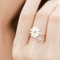 Material: Alloy  Function:Rings  Diameter: 1.7cm  Minimum Order is $10 . You Can Mix Different Items Together. ( If Your Order Is Less Than $10,you need pay $5 for shipping, Or Please Don't Buy ) Thank You For Your Understanding!  Style: Flower  Amount: 1 Pc  Color: As Picture