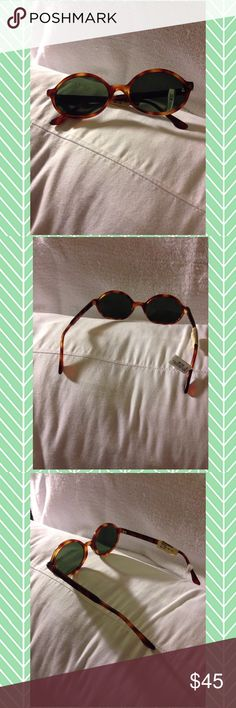 🌴NEW LISTING🌴 NWT Vintage Basile Sunglasses 😎 New with tag. Vintage Galitzine Basile Sunglasses by Soline. Renaissance. Brown. Round. Made in Italy. Reg. $89. (9/17) Soline Accessories Sunglasses