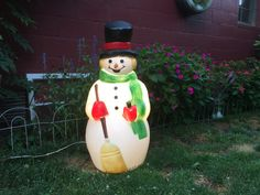 EX-Large Vintage Blow Mold Snowman. Empire by VeiledThroughTime Decorating With Christmas Lights, Light Decorations, Christmas Decorations, Holiday Decor, Christmas Yard, Vintage Christmas, Red Mittens, Blow Molding, Snowman