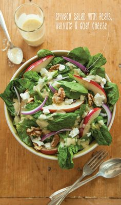 Spinach salad with pears, walnuts & goat cheese #MeatlessMonday