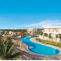 Brides.com: Top 10 All-Inclusive Resorts 7. Dreams Resorts & Spas    These 12 resorts, with locations in Mexico, the Dominican Republic, and Costa Rica, welcome children, making them a great pick for a family-friendly destination wedding — or a even a honeymoon for newlyweds who've gotten married for the second time and want to spend their first married escape with their kids; Dreams Resorts & Spas.Photo: Courtesy of Dreams Resorts & Spas