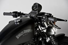 Harley Davidson Sportster Iron 883 Special Edition