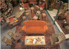 Photos: Photos: On Set with *Friends* Back in the Central Perk set