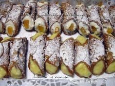 Cannoli siciliani ricotta-crema