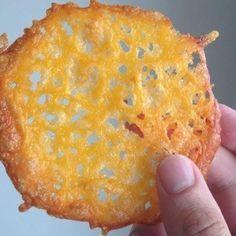Crispy Cheddar Crisps (Low Carb & Gluten Free)