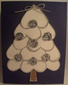 great idea for Christmas cards using the heart shaped paper punch. Christmas Arts And Crafts, Homemade Christmas Cards, Noel Christmas, Christmas Activities, Christmas Projects, Handmade Christmas, Holiday Crafts, Christmas Decorations, Christmas Ornaments