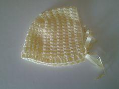 Touca em crochet c/ fita de seda das Lãs&Linhas da Ana -0 a 3 meses