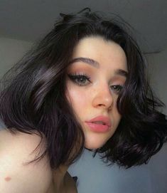 Cute Makeup, Beauty Makeup, Makeup Looks, Hair Beauty, Beauty Style, Makeup Inspo, Aesthetic People, Aesthetic Girl, Hairstyles With Bangs