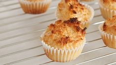 WATCH: How to Make Coconut Macaroons Munch on a batch of these sweet and chewy Filipino-style coconut macaroons recipe. Watch this video to learn how to make it. Dessert Bars, Desserts To Make, Food To Make, Baking Cookbooks, Cookie Cake Pie, Coconut Macaroons, Macarons, Macaroon Recipes, Cinnabon
