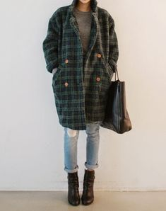 Street Scene Vintage: The Statement Coat