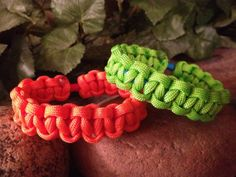 Free Shipping... Stretchy Paracord Bracelet by Bluestar409 on Etsy, $7.00