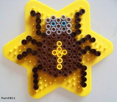 Halloween spider hama perler beads by Les loisirs de Pat - http://www.mariadiazdesigns.com/mdd/shop.php?showid=233