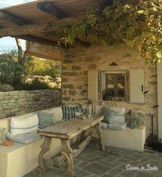 Une terrasse couverte qui donne envie de s'y reposer