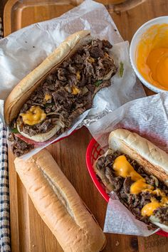 Easy Cheese Sauce Recipe, Cheddar Cheese Sauce, Meat Loaf Recipe Easy, Sauce Recipes, Beef Recipes, Provolone Cheese, Steak Sandwich Recipes, Classic Meatloaf Recipe, Cheesesteak Recipe