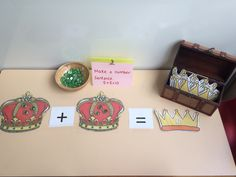 Royal wedding themed maths area, decorate the crowns and add the jewels together eyfs Maths Eyfs, Eyfs Classroom, Numeracy, Discovery Area Eyfs, Castles Topic, British Values, Nursery Themes, Nursery Ideas, Early Years Maths