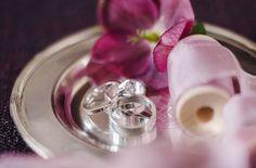 Кольца жениха и невесты #кольца #молодожены #декор #розовыетона