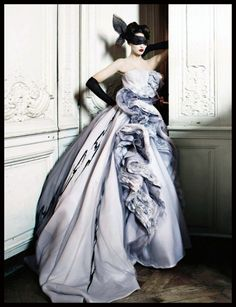Glamour games. Dior Couture Ph. Patrick Demarchelier.