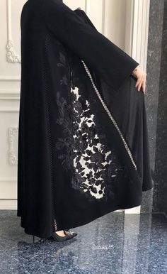 41 Ideas Fashion Dresses Hijab Black For 2019 Abaya Fashion, Muslim Fashion, Modest Fashion, Fashion Dresses, Iranian Women Fashion, Latest Fashion For Women, Womens Fashion, Abaya Style, Trendy Dresses