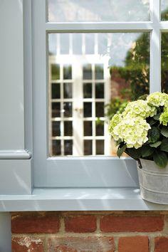 Window Sill: James 108