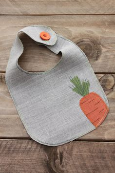 Easter Linen Baby Bib with Appliqued Carrot. Made by FlaxyPlanet