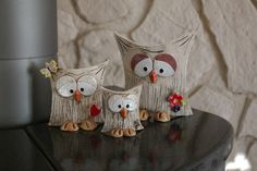 Owl family seeks connection Offer 3 cute owls, as you can see in the picture . Owl family seeks connection Offer 3 cute owls, as you can see in the picture … – Clay Owl, Clay Birds, Ceramics Projects, Clay Projects, Clay Crafts, Ceramic Birds, Ceramic Animals, Cold Porcelain Ornaments, Pottery Animals