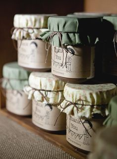 When you start to peel away all the layers of gorgeous in this ridiculously beautiful Sonoma soiree, you realize that because of all the personal and heartfelt touches dreamt up by this darling coup. Candle inspiration for Karen Gilbert. Honey Packaging, Candle Packaging, Cookie Packaging, Food Packaging Design, Eid Hampers, Jar Design, Jar Labels, Candle Labels, Food Gifts