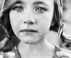 just love this.even though its sad to see those tears :( she is gorgeous. Beautiful Eyes, Beautiful People, Beautiful Drawings, Beautiful Children, White Photography, Portrait Photography, People Photography, Children Photography, Sad Faces