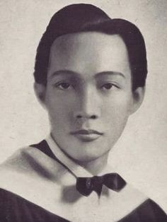 Claudio Teehankee Sr., Ateneo de Manila Law School, 1940 #kasaysayan #pinoy #classpicture — He was the first Atenean to top the bar exam. He served as the 16th Chief Justice of the Supreme Court. Class Pictures, Chief Justice, Law School, Supreme Court, Pinoy, Manila, Bar